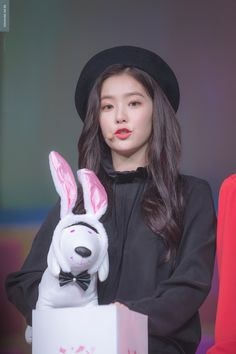Uploaded by Find images and videos about red velvet, irene and bae joohyun on We Heart It - the app to get lost in what you love. Red Velvet アイリーン, Red Velvet Irene, Seulgi, Kpop Girl Groups, Kpop Girls, Korean Girl, Asian Girl, Korean Ootd, Korean Style