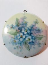 LARGE VICTORIAN HAND PAINTED FORGET ME NOTS FLOWER PORCELAIN BROOCH PIN PENDANT