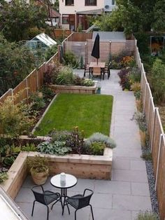 10 Natural Simple Ideas: Small Backyard Garden Raised Planter tiny backyard garden back yard.Backyard Garden Patio Budget backyard garden landscape how to grow. Backyard Ideas For Small Yards, Small Backyard Landscaping, Backyard Garden Design, Diy Garden, Backyard Patio, Landscaping Ideas, Landscaping Software, Modern Backyard, Garden Path
