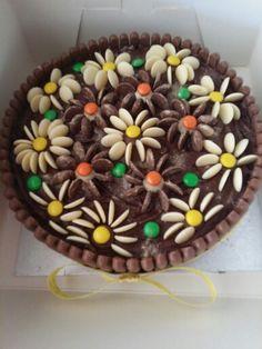 Flowers Cakes, Desserts, Flowers, Food, Tailgate Desserts, Scan Bran Cake, Kuchen, Dessert, Postres