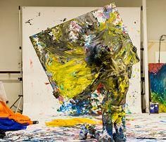 Coreógrafo com paralisia cerebral é destaque em mostra em SP http://www1.folha.uol.com.br/ilustrada/2013/10/1357480-coreografo-com-paralisia-cerebral-e-destaque-em-mostra.shtml