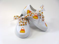 Candy Corn Shoes, Halloween Party Outfit, Fall or Autumn Hand Painted White Canvas Sneakers for Baby or Toddlers Painted Canvas Shoes, Hand Painted Shoes, Owl Shoes, Baby Shoes, Halloween Shoes, Halloween Party, Halloween Ideas, Red Sneakers, Canvas Sneakers