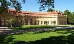Die Orangerie im Schlosspark ist ein Veranstaltungsort für Konzerte und Ausstellungen. Foto: FAU/Hartfiel
