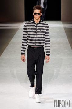 Giorgio Armani Primavera-Verano 2015 - Para hombre - http://es.flip-zone.com/fashion/menswear/giorgio-armani-4785 - ©PixelFormula