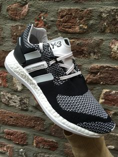 The Y3 pure boost @labelsfashion