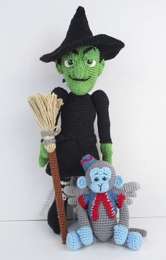 Wonderful World Of Oz: Wicked Witch & Monkey Holly's Hobbies