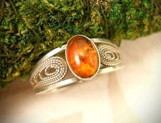 Vinatge filegree sterling silver ring with amber - size 8