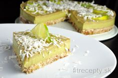 A refreshing raw lime-avocado cake is light, simple, sweet and sour, no-bake cake for any health-nut with a sweet tooth. This tasty and healthy raw cake is even suitable for veg. Avocado Mousse, Avocado Cake, Raw Cake, Classic Cake, Gluten Free Cakes, Sans Gluten, Raw Vegan, Raw Food Recipes, No Bake Cake