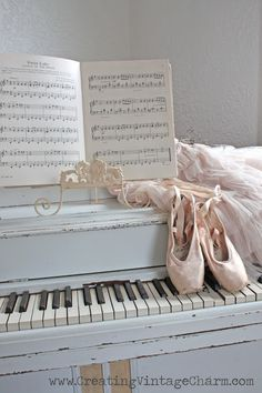 Another great idea for a photo Cali, on your black piano and ballet shoes...S h a b b y . ℬ r o c a n t e