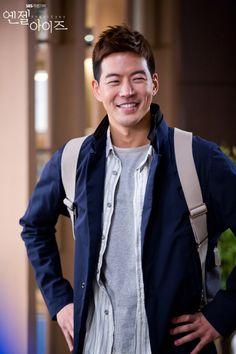 SBS Angel Eyes - Lee Sang Yoon...aww, look at those dimples!