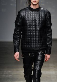 The theme of 2014 F/W men's fashion is Leather Lords. - Full set of the leathers: top and bottom. It shows the leather is the must-have item in 2014 F/W collection.