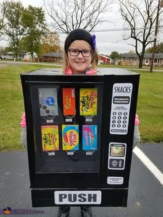 She loves snacks and candy so what better costume than a vending machine. Candy Halloween Costumes, Halloween Costume Contest, Halloween 2017, Halloween Outfits, Cool Costumes, Halloween Ideas, Halloween Party, Halloween Decorations, Valentines Card Holder