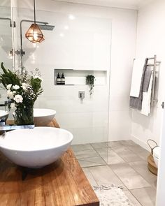 Modern Bathroom Have a nice week everyone! Today we bring you the topic: a modern bathroom. Do you know how to achieve the perfect bathroom decor? Laundry In Bathroom, Bathroom Renos, Grey Bathrooms, Beautiful Bathrooms, Modern Bathroom, Small Bathroom, Bathroom Ideas, Bathroom Designs, Wood In Bathroom