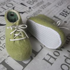 Olivové, Olive, Wet felting, children's shoes, slippers, shoes first, felt, purple, lace, boties