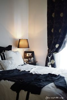 Linen Bedding, Bed Linens, Paris Apartments, City Girl, Wordpress, Sleep, Curtains, Black And White, Olympus