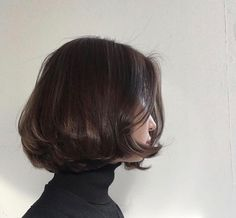 48 Stunning Short Bob Hairstyles For You To Choose - Page 10 of 48 - Kornelia Beauty Short Bob Hairstyles, Hairstyles With Bangs, Pretty Hairstyles, Bob Haircuts, Simple Hairstyles, Weave Hairstyles, Medium Hair Styles, Curly Hair Styles, Short Bob Styles