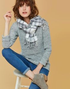 Joules Bracken Women's Soft Handle Scarf - Joules Warm Welcome Collection Spring Summer Fashion, Autumn Fashion, English Fashion, Grey Shirt, Wool Scarf, Well Dressed, Womens Scarves, Joules Uk, Everyday Fashion