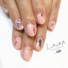 いいね!88件、コメント1件 ― LAURA POMPONNEE 表参道さん(@laura_pom)のInstagramアカウント: 「早くもおすすめデザインが人気です . 03-6433-5015 LINE ID[aho7549o] LINEからもお問い合わせいただけます。 . #nail #nailart #nails…」