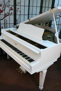 Piano Art, Piano Room, Piano Music, Piano Living Rooms, Piano Tumblr, Piano Photography, Piano For Sale, White Piano, Baby Grand Pianos