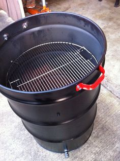 What you can Build DIY project 55 gallon Plastic Barrel and DIY 55 gallon steel drum projects. Barrel Project Photo's & Photo's of Barrel Projects. 55 Gallon Drum Smoker, 55 Gallon Steel Drum, Ugly Drum Smoker, 55 Gallon Plastic Drum, Plastic Drums, Bbq Grill, Barbecue, Grilling, Build A Smoker