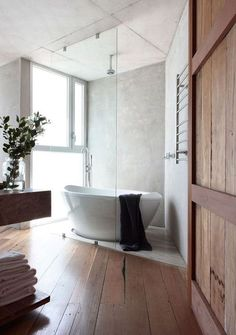 Are you looking for some serious bathroom inspiration? Then you are at the right place! Today's post is all about free standing bath tubs. I have selected ten of the most beautiful tubs I could find. House, House Bathroom, Interior, Home, Bathroom Trends, Free Standing Bath Tub, Amazing Bathrooms, Bathrooms Remodel, Bathroom Design
