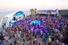 Shimmy beach at a Goldfish Submerged Sunday concert. Back this summer, from Nov We sold out 8 out of 10 shows last year! Big Party, Beach Look, Beach Club, Goldfish, Cape Town, Summer 2015, Staging, Sun Lounger, Plays
