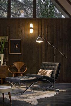 Siempre clasico, el modelo Barcelona conserva su modernidad.Silla y Puff. Te lo tapizamos en diferentes colores. http://www.sofaplus.co/