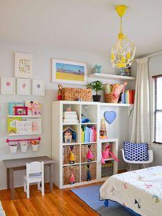 55 Kallax Regal Ideen: Als Raumteiler, Kleiderschrank, Garderobe und Co. 55 Kallax shelf ideas: As a room divider, wardrobe, cloakroom and Co. Set up a colorful children's room in a Scan Kallax Ideas, Ikea Kallax Regal, Ikea Expedit, Kallax Shelf, Ikea Shelves, Ikea Regal, Shelving Units, Ikea Kallax Nursery, Floating Shelves