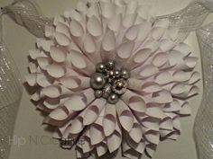 Hip N Creative | DIY Paper Wreath Tutorial