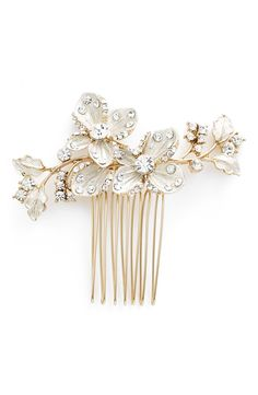 WEDDING BELLES NEW YORK – Crystal Floral Hair Comb from Nordstrom (see more in the EAD shop: http://www.elizabethannedesigns.com/blog/product/wedding-belles-new-york-crystal-floral-hair-comb/)