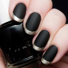 Chic matte black nails with a glamorous gold French tip. French Nails, Gold French Tip, Bad Nails, New Year's Nails, Matte Black Nail Polish, Matte Gold, Metallic Gold, Matte Nails, Gold Leaf