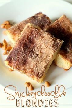 Snickerdoodle Blondies - two of my favorite desserts put together! YUM!! #snickerdoodle