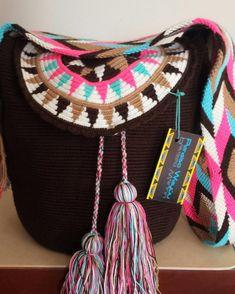 Crochet Case, Pixel Crochet, Crochet Shoes, Diy Crochet, Hand Crochet, Tapestry Crochet Patterns, Crochet Stitches, Crochet Handbags, Crochet Purses