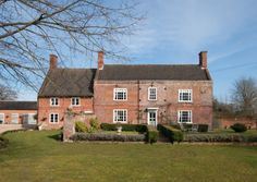 Image result for georgian farmhouse Country Uk, Country Houses, Georgian House, Humble Abode, Dream Homes, Exterior Design, Ems, Cottages, Colonial