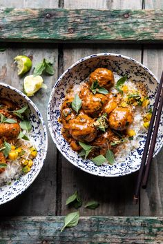 The best summer Weeknight 30 Minute Coconut Curry Chicken Meatballs.with spicy mango salsa, a delicious mix of cozy and healthy! Asian Recipes, Healthy Recipes, Ethnic Recipes, Turkish Recipes, Simple Recipes, Coconut Curry Chicken, Basil Chicken, Sesame Chicken, Butter Chicken
