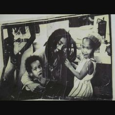 >>>Cheap Sale OFF! >>>Visit>> Bob Marley with young Ziggy and Cedella. Bob Marley Legend, Reggae Bob Marley, Jamaica, Bob Marley Pictures, Marley Family, Damian Marley, Peter Tosh, Robert Nesta, Nesta Marley