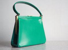 Vintage Purse . Kelly Green . Leather HandBag . 1960s