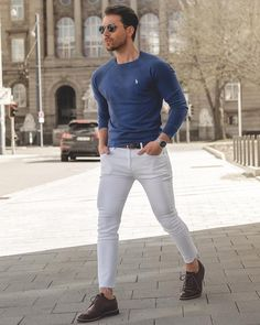 Men's Business Casual Shoes Guide and 20 Tips for Perfect Look White Pants Men, White Pants Outfit, Mens Business Casual Shoes, Men Casual, Casual Fashion Trends, Mens Fashion Suits, Men's Fashion, Fashion Photo, Mens Fashion Blog
