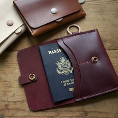 Corter Leather Passport Case - Gadgetfreak :: Not Just Tech Leather Passport Wallet, Handmade Leather Wallet, Leather Gifts, Leather Case, Tan Leather, Sacs Design, Leather Projects, Leather Accessories, Camera Accessories