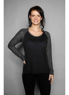 Feminine Mode, Umstandsmode und Wasserfall Shirts vom Modelabel direkt online kaufen.