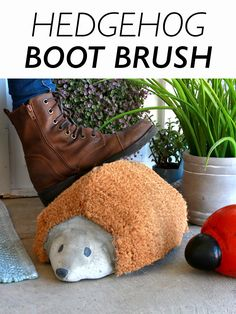 Clean shoes effortlessly with this adorable boot brush.