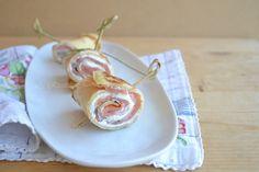 Rotolini di crepes con salmone