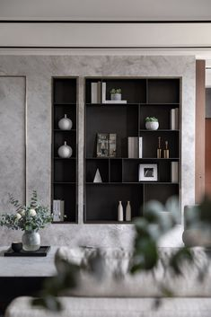 Clean lines but friendly, contemporary decor but colorful, warm but sophisticated atmosphere . What atmosphere do you want for your living room? Shelving Design, Shelf Design, Cabinet Design, Cabinet Furniture, Furniture Design, Interior Inspiration, Design Inspiration, Interior Walls, Luxury Apartments