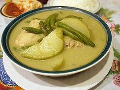 Hispanic Heritage Month: Guatemalan chicken in tomatillo-cilantro sauce (RECIPE)   ¿Qué Más?