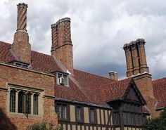 Tudor roof + chimneys. Talboys lost some of it's lovely Tudor chimney pots, Mr Noakes sold them....Peter and Harriet scoured the county to buy them back!