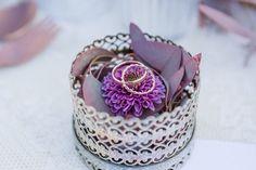Moderne Almhochzeit in Beerenfarben   Hochzeitsblog The Little Wedding Corner
