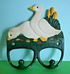 Cast Iron Goose / Geese / Duck 2 Kitchen Towel Hooks Farmhouse Country Ref 1044 – Cute and Trend Towel Models Towel Hanger, Towel Hooks, Goose Geese, Cast Iron, It Cast, French Country Farmhouse, Kitchen Models, White Ceramics, Kitchen Decor