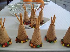 Idea for Native American diorama...or for a Thanksgiving table setting...