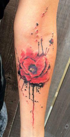 (D) like the idea of the splatter effect w watercolor - Art Corporel Rose Tattoos, Body Art Tattoos, Hand Tattoos, Sleeve Tattoos, Watercolor Poppy Tattoo, Poppies Tattoo, Beautiful Flower Tattoos, Pretty Tattoos, Design Tattoo