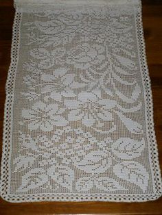 This Pin Was Discovered By Crochet Table Runner, Crochet Tablecloth, Crochet Doilies, Lace Runner, Interior Design Website, Fillet Crochet, Crochet Home, Thread Crochet, Rose Design